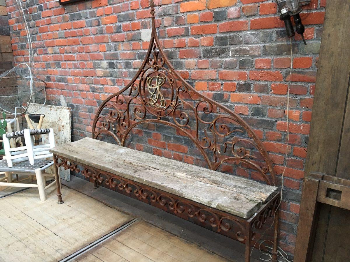ancien banc de jardin en bois et fer forg nord factory. Black Bedroom Furniture Sets. Home Design Ideas