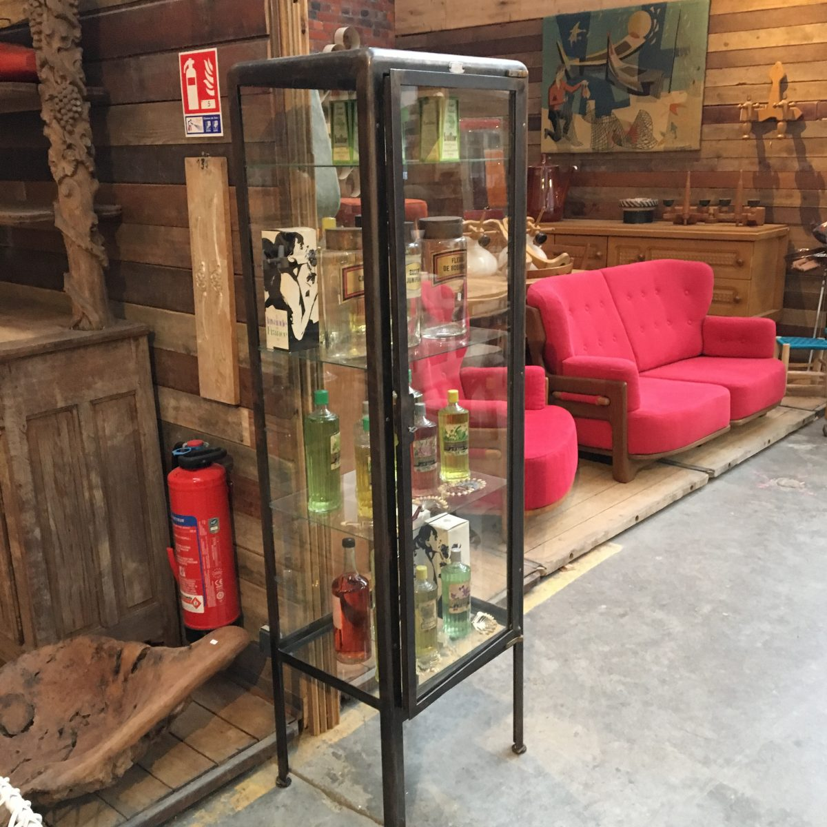 ancienne vitrine m dicale fernand guillot paris nord factory. Black Bedroom Furniture Sets. Home Design Ideas
