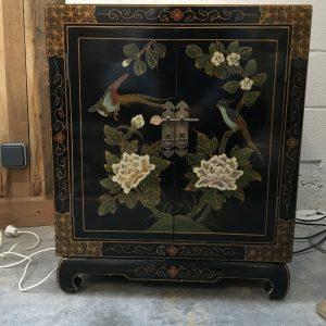 Petit meuble asiatique vintage