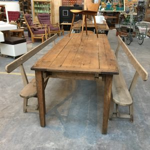 Table industrielle en bois