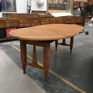 Table ovale «Guillerme et Chambron» pour Votre Maison en chêne