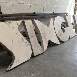 Série de lettres «art déco» en métal
