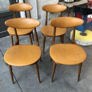 """Suite de 4 chaises modèle """"Licorne"""" Baumann par Pierre Guariche"""