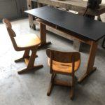 Double bureau années 60 avec ses deux chaises