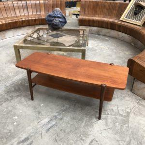 Petite table basse scandinave en teck