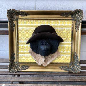 Masque de singe réalisé par l'artiste Yves Gaumetou