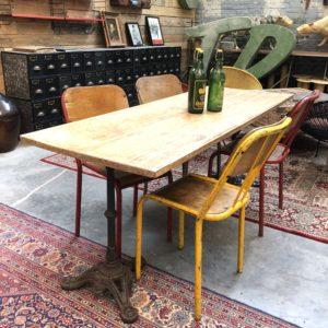 Ensemble double table bistrot et chaises en métal