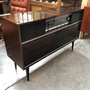 Ancien meuble de radio «Grundig»avec platine disques