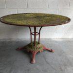 Ancienne table de jardin en métal