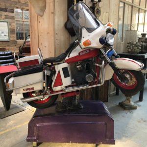 Ancien manège mécanique Harley