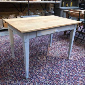 Ancienne petite table de cuisine