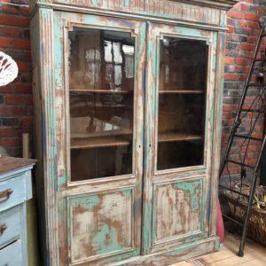 Ancienne vitrine patinée
