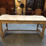 Ancienne table de ferme avec traverse