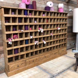 Grand meuble de métier 105 casiers
