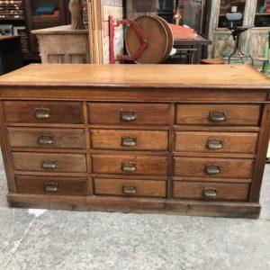 Ancien meuble de métier en chêne début XIXème