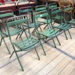 Suite de 12 chaises pliantes en métal