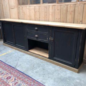 Ancien meuble d'atelier patiné