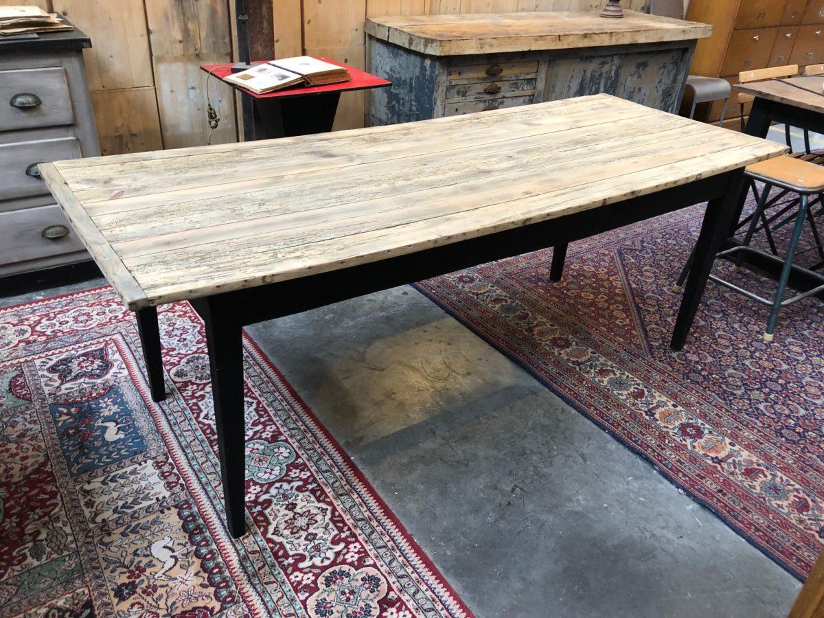 Ancienne table de ferme pieds fuseaux   Nord Factory