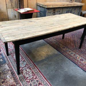 Ancienne table de ferme pieds fuseaux