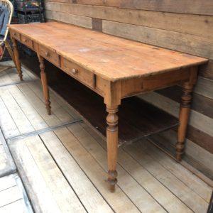 Ancienne table de drapier