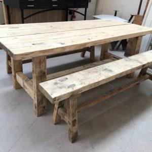 Ancienne table de ferme et ses 2 bancs