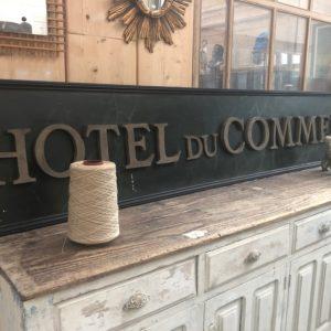 Enseigne «HOTEL DU COMMERCE»