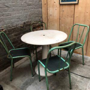 Ancienne table de bistrot «Tolix» modèle G80