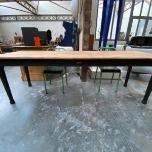 Ancienne table d'atelier