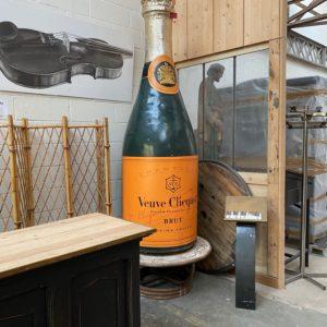 Bouteille de champagne géante
