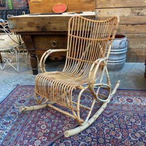 Rocking chair en rotin années 70