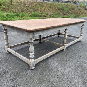 Ancienne table de magasin
