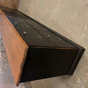 Grand meuble de métier à clapets