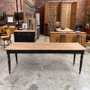 Ancienne table de ferme pieds tournés
