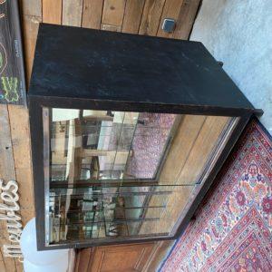 Ancien comptoir vitrine