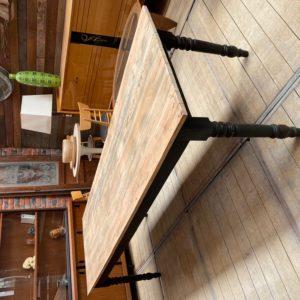 Grande table de ferme pieds tournés