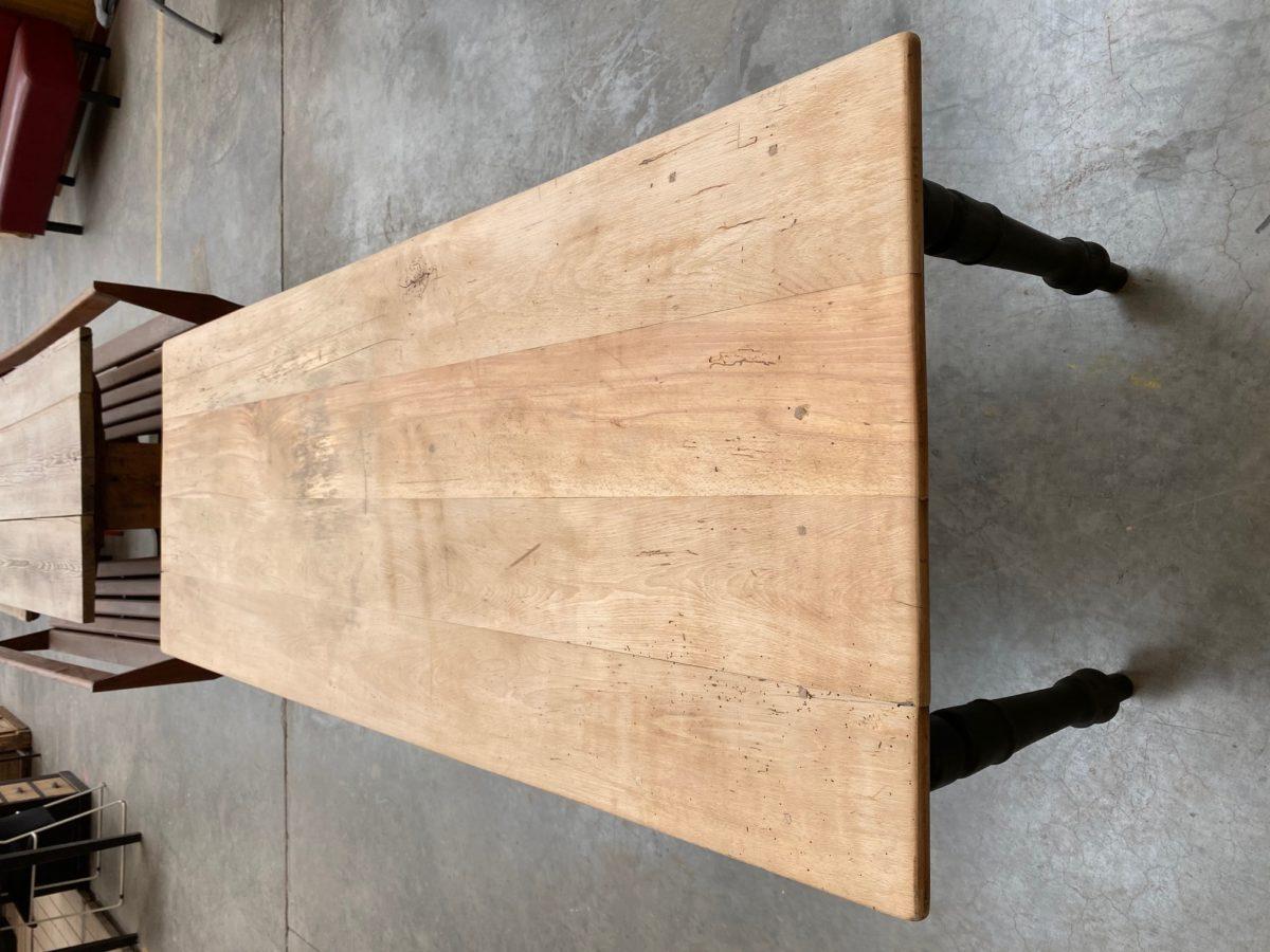 Ancienne table de ferme pieds tournés   Nord Factory