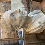 Ancien buste en plâtre.