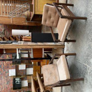 Paire de fauteuils années 80