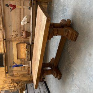 Table de château en chêne