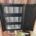 Armoire vitrine patinée