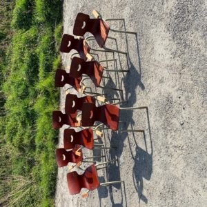 Suite de 10 chaises enfants