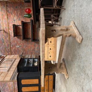 Table de monastère en orme