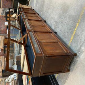 Immense meuble comptoir de magasin fin XIXème