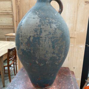 Ancienne jarre en terre cuite