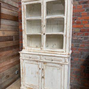 Ancien vaisselier patine blanche