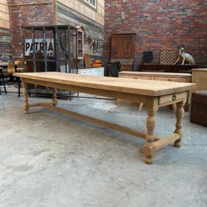 Grande table de ferme en chêne massif